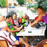 Break Time in Bourg St Maurice - pic by Cliff Thornton