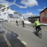 Starting the descent to Gletsch